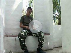 FLASH !!! Young soldier caught jacking, part 1
