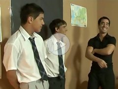 FLASH !!! Dressed students and their teacher filmed on a set